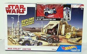 Hot Wheels Star Wars Mos Eisley Junction  Playset Die Cast R2-D2 Character Car