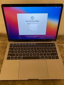 MINT 2017 MacBook Pro 13 3.1ghz i5/16GB RAM Touchbar