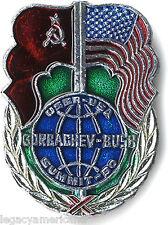 1990 Gorbachev Bush USSR-USA Summit Cold War Badge (1605)