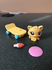 Littlest Pet Shop 1744 Orange Yellow Heart Baby Cat Kitten Purple Eyes & Access