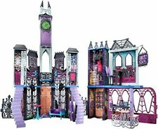 Monster High deadluxe High School play set BRAND NEW