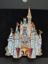 DISNEY WDW CAST MEMBER CASTLE SERIES TOKYO 3D MICKEY & MINNIE MOUSE IN DOOR PIN