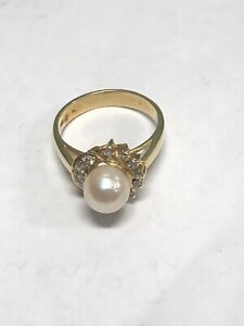 14K Yellow Gold Pearl Ring 4.0 Grams Size 6