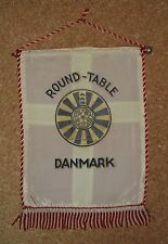 Fanion - Table ronde/Round table - Danmark - 25 X 18cm