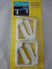 pince nappe blanche ,4 pinces nappa ,ouverture maxi de 4.5 cm, fixation nappe