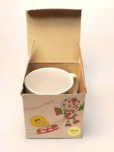 Vintage Strawberry Shortcake Christmas Mug with original packaging box RARE !