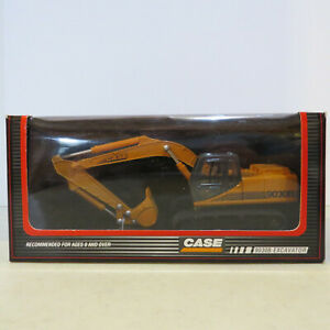 Ertl Case 9030B Excavator Highly Detailed 1/50 CA-4546-B