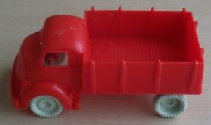 VINTAGE 1960's MARX FREIGHT TERMINAL STATION SHED FARM CLOSED STAKE BED TRUCK