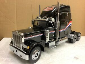 1/32 scale Franklin mint Peterbilt 379 tractor unit truck lorry