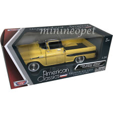 MOTORMAX 79311 1958 CHEVROLET APACHE FLEETSIDE PICK UP TRUCK 1/24 YELLOW / BLACK