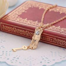 1 collier pendentif Alice au pays des merveilles