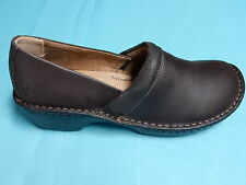 "LILA   ""BELLA""  Brown  WALKING CLOGS/SHOES  WOMEN  US 7.5  Medium  pre-owned"