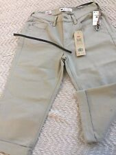 Levi's Women Mid Rise Skinny Cropped Size 27, Slim Through Hip and Thigh Beige