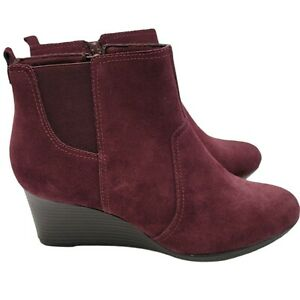 Clarks  Womens Size 9 Wedge Booties Suede Burgundy Boots Wedge