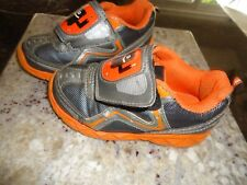 Starter Boys Toddler Lightweight Athletic Shoe With a stylish design size 10