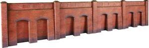 Metcalfe PO244 OO Gauge Red Brick Retaining Walls Card Kit