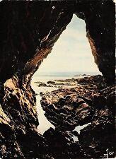BR2069 Saint Nic Pentrez L une des grothes de la falaise    france