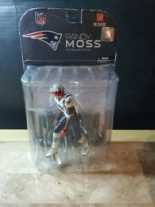 McFarlane Toys SportsPicks Series 17 New England Patriots #81 Randy Moss