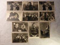 10x alte Ansichtskarte / altes Foto spielende tanzende Kinder Kind Mädchen ...