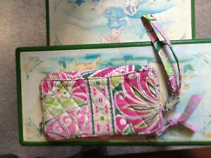 Vera Bradley Small Wallet Wristlet Purse Bag Pink & Green Zip Closure