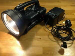 DRAGON DELTA Searchlight Torch with Charger