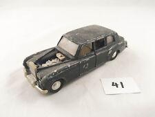 VINTAGE DINKY # 152 ROLLS ROYCE PHANTOM V DIECAST CAR WITH PASSENGERS 1965-67