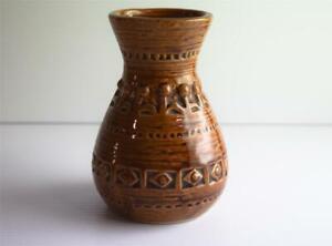 Vintage Pottery Vase Golden Brown Spiral on Base Unmarked - Bitossi? MCM *Chip