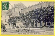 CPA ÉCOLE SPECIALE MILITAIRE de SAINT CYR (Yvelines) Cour Rivoli Statue Marceau