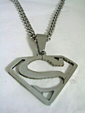 SUPERMAN PENDANT CHARM WITH A CHAIN IN STAINLESS STEEL ALL HIGH POLISHED