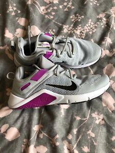 Womens Nike Trainers - Grey - UK 5.5