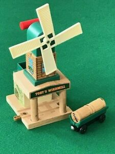 THOMAS  & FRIENDS WOODEN RAILWAY TOBY'S WINDMILL & FLOUR FOR BRIO TRAIN SETS