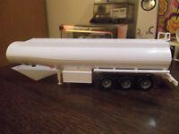 REMORQUE CITERNE BLANC camion  JOAL 1.50