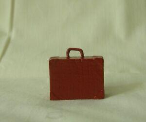 Suitcase, replacement for Lionel Redcap, Standard Gauge train platform layout