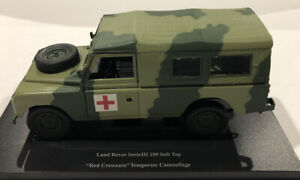 UNIVERSAL HOBBIES LAND ROVER SERIES III 109 SOFT TOP CAMOUFLAGE 'RED CRESCENTS'