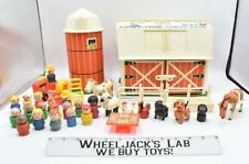 Family Play Farm Fisher Price Little People Vintage #915