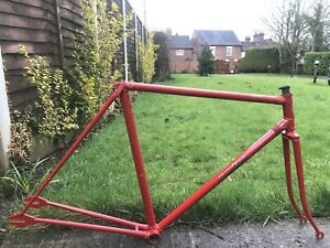 """VINTAGE CARLTON FLYER TRACK FRAME,20"""" CTC,RE-ENAMELLED/NEW DECALS,IN EXC COND."""