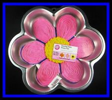 NEW! Wilton **DANCING DAISY FLOWER** Cake Pan COMPLETE!