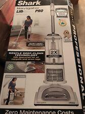 Shark NV370 Navigator Lift-Away Pro Pet Allergen Vacuum Cleaner -- NEW