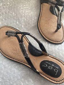 New ~ BOC Born Thong Flip Flop Flat Sandals Women's Size 8