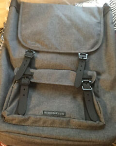 Stormtech Performance Oasis Backpack. Laptop Storage. Charcoal Grey Pockets. New