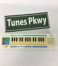 Yamaha Portadound PSS-20 Keyboard Small Vintage 32 Keys Battery Operated