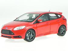 1:18 Ford Focus ST 2011 1/18 • Minichamps 110082002