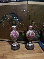 (1) Vintage Porcelain Urn Lamp Hand Painted Artist gonner Signed Gold Leaf Brass