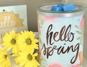 """Scentsy """"Hello Spring"""" Wax Warmer  SHADE🌸 Floral Glass Goes On Your NARROW BASE"""