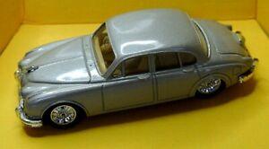 Corgi Classic Cars Collectors C700/4 Jaguar 3.4 Litre Mark 2 Gold with Tan Seats