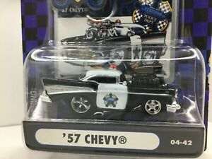 Muscle Machines Police Series * 1957 Chevy Belair * New On Card* 1:64