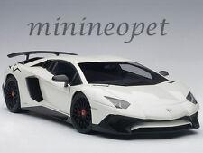 AUTOART 74555 LAMBORGHINI AVENTADOR LP750-4 SV 1/18 MODEL CAR PEARL WHITE