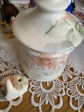 Hadida China  4 Piece Bathroom Set Cream And Peach perfect condition