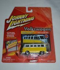 2004 JOHNNY LIGHTNING VOLKSWAGEN BRIAN O'KELLY'S 1965 SAMBA BUS WITH CARD # 3