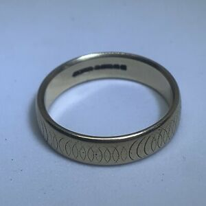 9ct Yellow Gold Band Ring 4.4g Size Q